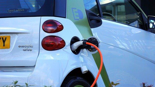 mobil listrik dan komponennya